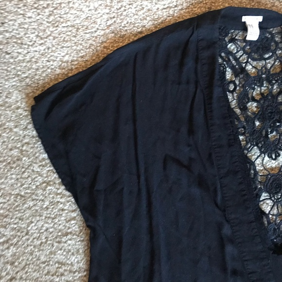 Forever 21 Tops - Cropped kimono with lace detail